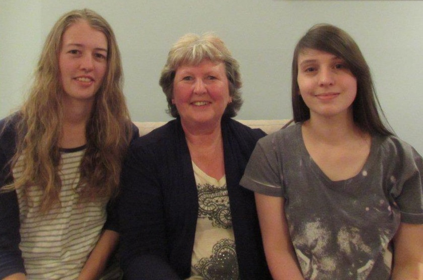 Robyn Hicks and her daughters Chelsea and Katharine have all studied tourism with ITC via distance learning.
